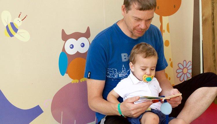 Gusto Baby - lezen op het terras