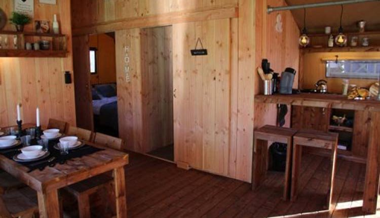 binnenkant met keuken luxury lodge